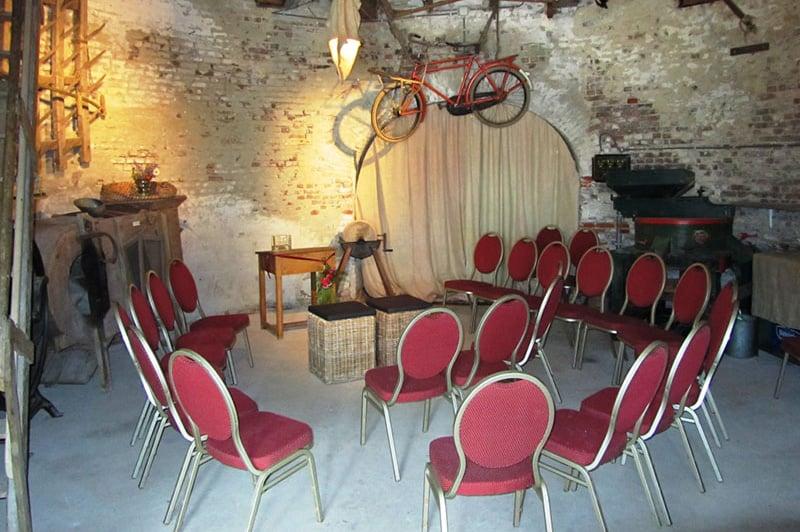 jacobusmolen trouwen rode stoelen